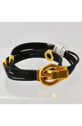 Bracelet With Magnetic Clasp